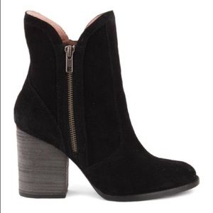 Seychelles Lori penny suede boots